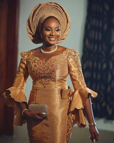 How To Look Classic Like Serwaa Amihere For Plus Size & Curvy Ladies 2019 – Outfits African Prom Dresses, African Dresses For Women, African Lace Styles, African Fashion Ankara, Latest African Fashion Dresses, African Wedding Attire, African Attire, African Weddings, Traditional Wedding Attire