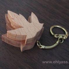 Porte-clés / bijou de sac feuille d'érable en chantournage