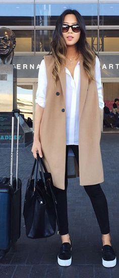 Airport outfit // Song of Style Song Of Style Instagram, Instagram Outfits, Mode Outfits, Winter Outfits, Casual Outfits, Fashion Outfits, Travel Outfits, Travelling Outfits, Vest Outfits For Women