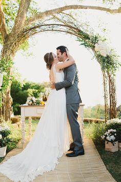 http://lapisdenoiva.com/casamento-daniele-e-felipe/  Foto: Frankie e Marilia