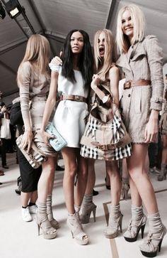 Burberry - A Models life Runway Fashion, High Fashion, Fashion Show, Womens Fashion, Fashion Brands, Fashion Beauty, Mode Style, Style Me, Estilo Street