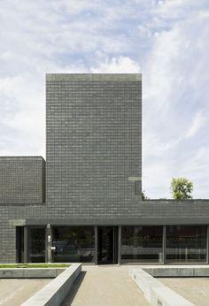 """Koen van Velsen architecten, Rene de Wit architectuurfotografie · Sportcentre """"De Rozenburcht"""""""