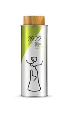 39/22 Olive Oil Packaging, Greek Olives, Bottle Design, Design Reference, Packaging Design, Alcohol, Mugs, Tableware, Bottles