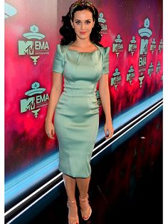 Katy Perry was a vision in mint green on the EMAs red carpet