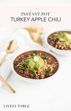 This Instant Pot turkey chili with apples and chipotle is a must-have easy fall meal! It's warm and comforting with spicy chipotle and a hint of sweetness, and only takes about 30 minutes to make! Fall Recipes, Healthy Dinner Recipes, Real Food Recipes, Delicious Recipes, Turkey Chili, Chili Recipes, Chipotle Recipes, Soup Recipes, Pressure Cooker Recipes