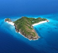 Tsarabanjina is one of the islets of the exquisite Mitsio Archipelago in the north western part of Madagascar. About 40 miles from the island of Nosy Be,