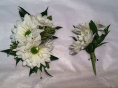 Prom corsage and boutonniere created by Lexington Floral in Shoreview, MN.    #flowers #corsage