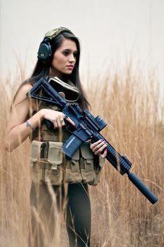 Girls and Guns Omy! Desert Eagle Technologies - www.deserteagletech.com