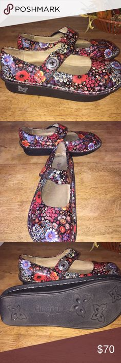 Allegria Mary Janes size 38/ US 8 Allegria paloma PRO mary janes size 8 in US size. Super cute flower power design. These shes are in EXCELLENT condition. Perfect for work or casual wear! allegria Shoes Mules & Clogs