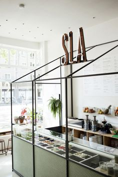The Travel Files: SALAD & JUICE BAR SLA IN AMSTERDAM