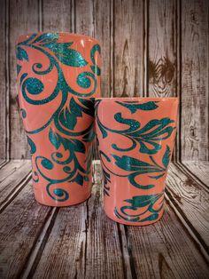 Diy Tumblers, Glitter Tumblers, Glitter Cups, Custom Tumblers, Diy Resin Art, Resin Crafts, Cute Gifts, Best Gifts, Diy Gifts