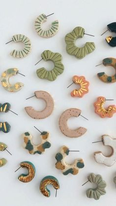 Diy Earrings Polymer Clay, Fimo Clay, Polymer Clay Crafts, Polymer Clay Tutorials, Polymer Clay Creations, Handmade Polymer Clay, Jewelry Crafts, Earrings Crafts, Jewelry Art