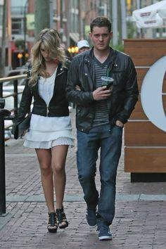 Michael Buble and Luisana Lopilato Photos - Michael Buble in Downtown Vancouver - Zimbio