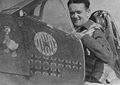 Jan Zumbach jako dowódca Dywizjonu 303. Bohater Bitwy o Wielką Brytanię, znakomity lotnik, który strącił 13 niemieckich samolotów, kawaler Orderu Virtuti Militari.