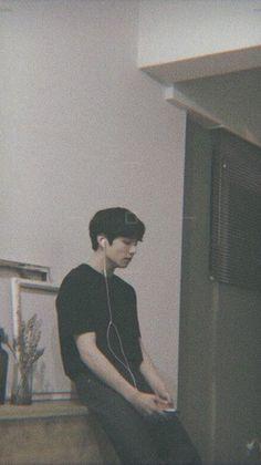 Jungkook just sitting concentrating. i love BTS and JUNGKOOK he puts so much hard work into his career to please us and ofc himself Bts Jungkook, Taehyung, Jungkook School, Namjoon, Jung Kook, Foto Bts, Bts Photo, Bts Lockscreen, Busan
