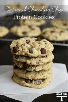 Oatmeal Chocolate Chip Protein Cookies- these are the best protein cookies I have tried! No gritty or powdery, fake sugar taste from the protein. The texture is spot on. Cookies no eggs Oatmeal Chocolate Chip Protein Cookies Cookies Cupcake, Brownie Cookies, Cupcakes, Keto Cookies, Cookie Sandwich, Chocolate Chip Granola Bars, Cake Chocolate, Oatmeal Chocolate Chips, Protein Powder Recipes