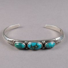 vintage silver carinated wire bracelet with 3 stones c 1920 Navajo Jewelry, Old Jewelry, Jewelery, Silver Jewelry, Fine Jewelry, Jewelry Making, 925 Silver, Sterling Silver, Turquoise Jewelry