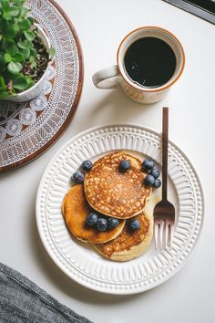 Gluten Free Banana Pancakes {In a Blender} // by Faring Well