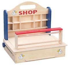 Heb jij niet zoveel ruimte in huis om grote #kinderkeukentjes of #kinderwinkeltjes te plaatsen? Of vind jouw kind het zo leuk om het #winkeltje overal mee naar toe te nemen? Dan is dit tafelmodel winkeltje misschien wat voor jullie. https://www.bandolino.nl/playwood-winkeltje-tafelmodel.html