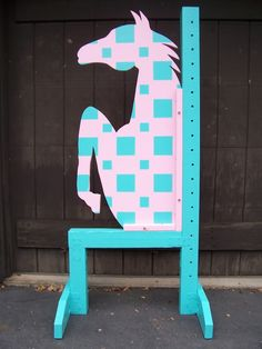 How to build horse jump standards -- materials & assembly instructions - The Horse Forum Equestrian Decor, Equestrian Outfits, Cross Country Jumps, Horse Arena, Types Of Horses, Dog Agility, Horse Training, Show Jumping, Horseback Riding