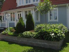 kuunlilja istutusallas - Google-haku Terrace Garden, Garden Paths, Pergola Patio, Gazebo, Dream Garden, Home And Garden, Land Art, Flower Beds, Perennials