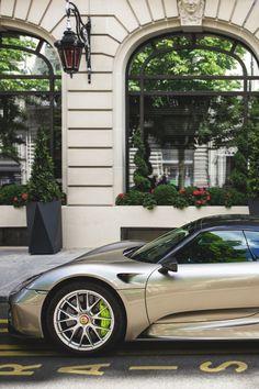 themanliness:  Porsche 918 Spyder | Source | MVMT | Facebook