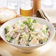 De pastatonijnsalade met avocado zit vol met groenten. Als je de salade goed bereidt, kan het als een volwaardige maaltijd dienen. Lees hier alle tips!