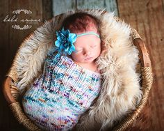 Looking for the perfect, beautiful items and props for baby to wear in their newborn photos? We love these hand knit items from @LeosTreasures! #PNapproved
