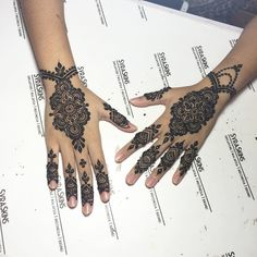 EID HENNA with SyraSkins ============== Get your henna done in the comfort of MOVIES and AirCon ❄️ We accept both CASH and NETS. ============== We can do designs for you in: - Natural Henna - Waterproof White - Glitter Body Art ============== NO PRIOR BOOKINGS REQUIRED HASHTAG #SyraSkins #SyraSkinsEid ============== Come down to our studio this EID 81, Joo Chiat Road, Singapore 427725 Parking available along Joo Chiat Terrace Just 5 mins walk from Joo Chiat Complex Taxi Stand. HURRY!! See…