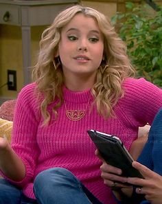 Lennox's pink ribbed sweater on Melissa and Joey.  Outfit Details: http://wornontv.net/45609/ #MelissaandJoey