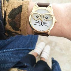 Reloj gatito con gafas de www.misscaracola.com
