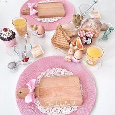 Bom dia com essa linda e criativa mesa de café da manhã