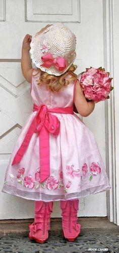 "Grandma ""I'm here"" Precious Children, Beautiful Children, Beautiful Babies, Boy Or Girl, White Cottage, Rose Cottage, Vintage Pink, Little Ones, Little Girls"