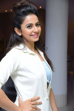 Rakul Preet Singh is an Indian actress who appears in Hindi, Telugu, and Canada Movies. She is the cutest actress who grabbed millions of eyeballs. South Actress, South Indian Actress, Most Beautiful Indian Actress, Beautiful Actresses, Actress Pics, India Beauty, Indian Girls, Stylish Girl, Woman Crush