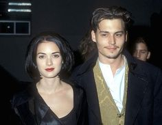 Winona Ryder and Johnny Depp Winona was 17 when she found love with Johnny on the set of the movie Edward Scissorhands