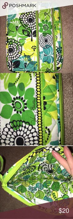 "Vera Bradley IPad Tablet Cosmetic Case Vera Bradley Limes Up Green Print. Vera Bradley E-Reader Sleeve Mini iPad Cover Case 11485 MSRP: $ 34.00 Size: 6¼"" x 8½"" x ¾"" This colorful cover, with a convenient L-shaped opening, makes for easy access to your E-reader, iPad or tablet, while a lightweight protective foam keeps all of your favorite stories safe. A final touch, an inside pocket grants the perfect spot for an ID card. Vera Bradley Bags Laptop Bags"