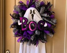 Awesome 30 Creative DIY Halloween Wreath Design For The Thriller Night Halloween Front Doors, Halloween Mesh Wreaths, Halloween Door Decorations, Burlap Halloween, Halloween Girlande, Adornos Halloween, Creepy Halloween, Halloween Gifts, Modern Halloween