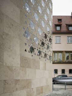 keepin the historical place of the Sinagogue_Ulm Synagogue by Kister Scheithauer Gross House Wall Design, Jewish Temple, Limestone Wall, Concrete Facade, Building Concept, Temple Design, Religious Architecture, Environmental Design, Star Of David