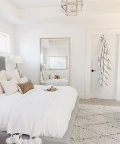 10 tips how to achieve a minimal scandinavian bedroom 34 10 tips how to achieve a minimal scandinavian bedroom 34 classic master bedroom interior design Room Ideas Bedroom, Home Decor Bedroom, Neutral Bedroom Decor, White Room Decor, Airy Bedroom, Bright Bedroom Ideas, White Gold Bedroom, Simple Bedroom Decor, Stylish Bedroom