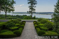 The wide approach to this home is framed by elegant planting of boxwoods, yews, and dwarf crabapples. - Traditional Home ® / Photo: Bob Stefko / Design: Douglass Hoerr Beautiful Gardens, Beautiful Homes, Landscape Design, Garden Design, Hydrangea Not Blooming, Growing Gardens, Formal Gardens, Modern Gardens, Back Gardens