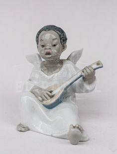 Lladró figura de porcelana Angelito músico | Antigüedades El Portal Porcelain Ceramics, Portal, Buddha, Sculpture, Statue, Art, Musica, Art Background, Porcelain