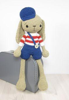 PATTERN: Bunny in shorts Long-legged rabbit von SIDRUNsPatterns