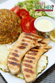 #Ghana: #Jollof bzw. #Benachin ist ein sehr beliebtes #Reisgericht aus #Westafrika. Zu den Hauptzutaten zählen #Tomaten, #Gewürze, #Hähnchen und natürlich #Reis. Das Gericht ist leicht scharf dennoch sehr verträglich. Es ist ein Gericht, das keine Beilagen eigentlich bräuchte. Wie immer liefert DailyKitchen Dir die Zutaten, damit Du zeitsparend und #stressfrei tolle neue #Rezepte ausprobieren kannst.   http://dailykitchen.de/gericht/ghana-jollof  #Reisgericht #Jollof #Benachin #Kochbox  #wm