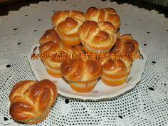 Briošky s čokoládou Eastern Europe, Baking, Breakfast, Food, Basket, Morning Coffee, Bakken, Essen, Meals