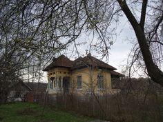 Casa învățătorului Popescu din Bârlogu, vandalizată de hoardele rusești în septembrie 1944