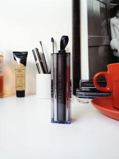 Rouge Interdit Vinyl Noir Révélateur de Givenchy - avis blog beauté - product display
