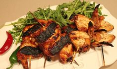Versatile and quick, chicken wings make an excellent snack before the main course or star attraction. For a sweeter version, replace the oyster sauce with sweet Oyster Sauce Chicken, Wings Food, Tandoori Chicken, Oysters, Chicken Wings, Chicken Recipes, Pork, Snacks, Meat