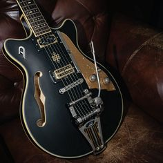Duesenberg Joe Walsh Signature Black After many years of working with Joe Walsh we began a project in alliance to build a guitar that met the special tone that Guitar Girl, Guitar Amp, Gretsch Electromatic, Guitar Photography, Cheap Guitars, Guitar Painting, Cool Gear, Guitar Strings, Playing Guitar