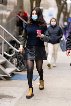 Leather Mini Skirts, Leather Skirt, Celebrity Gossip, Celebrity Style, Celebrity News, Kendall Jenner Workout, Shows In Nyc, Blue Face Mask, Model Look