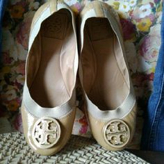 Final SaleTory Burch Flats Good Used Condition Heel Scuffs//Not noticeable when on Tan//Peach Patent Leather// Leather Soles Tory Burch Shoes Flats & Loafers